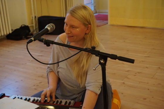 Mantra Sängerin Berlin